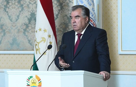 Президент Таджикистана поздравил граждан с древнейшим праздником