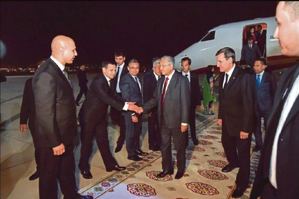 В Ашхабаде прошли туркмено-малайзийские переговоры на высшем уровне