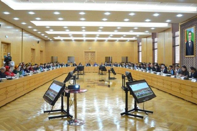 В Ашхабаде прошло мероприятие по случаю 30-летия принятия Конвенции о правах ребёнка