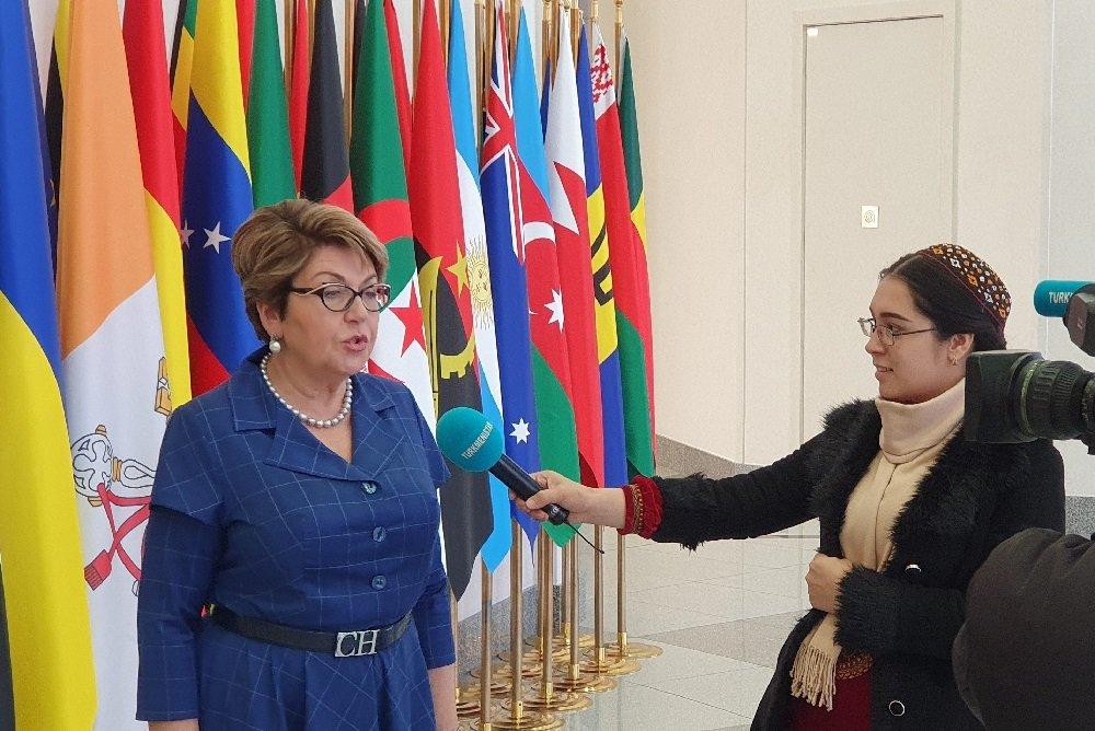 Митрофанова посетила в Ашхабаде совместную туркмено-российскую школу