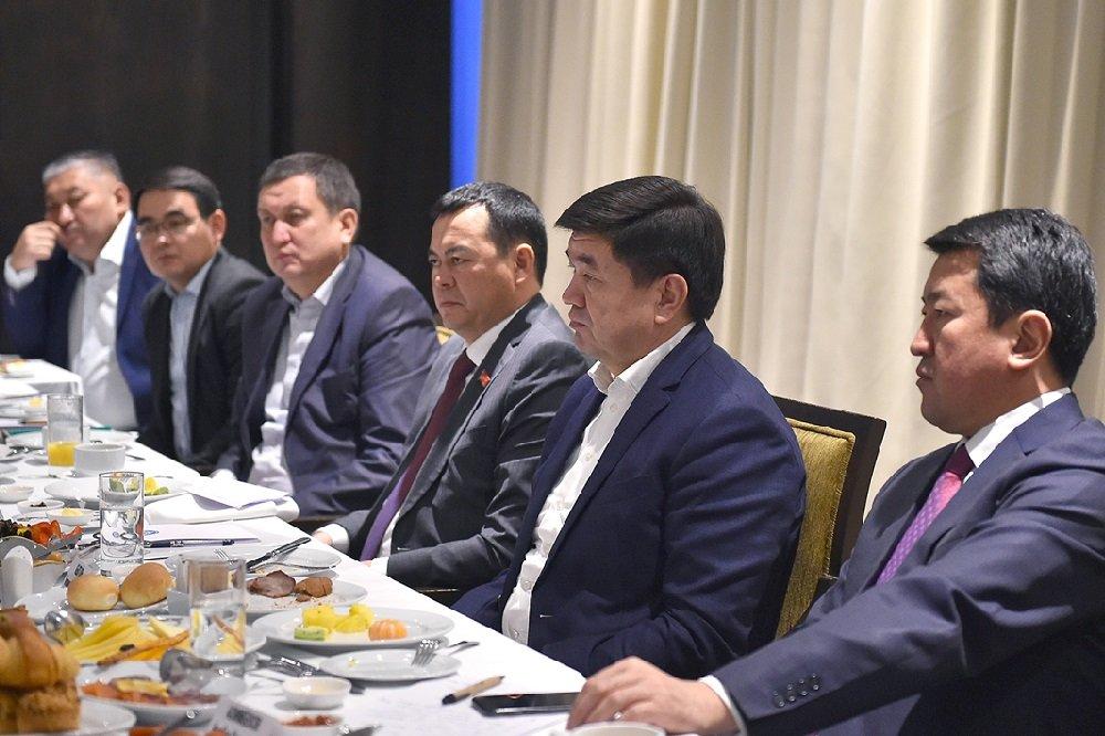 Кыргызский премьер обсудил с бизнес-сообществом развитие сельского хозяйства