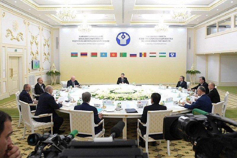 Глава Туркменистана отправится в Россию на неформальный саммит СНГ