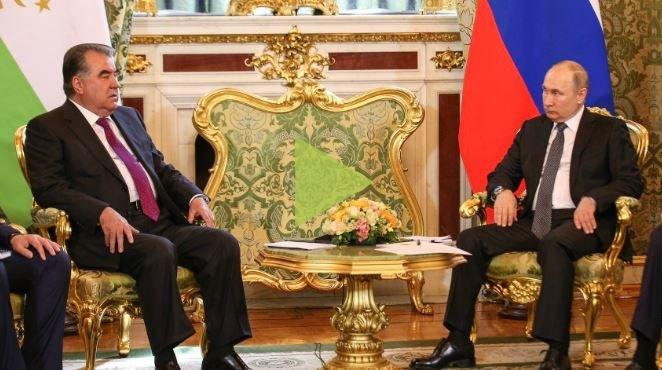 Трудовым мигрантам из Таджикистана разрешили работать в России