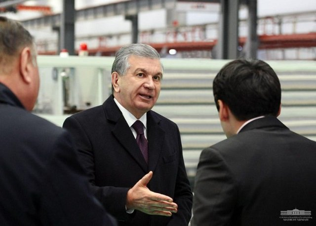Шавкат Мирзиёев прибыл с визитом в Навоийскую область