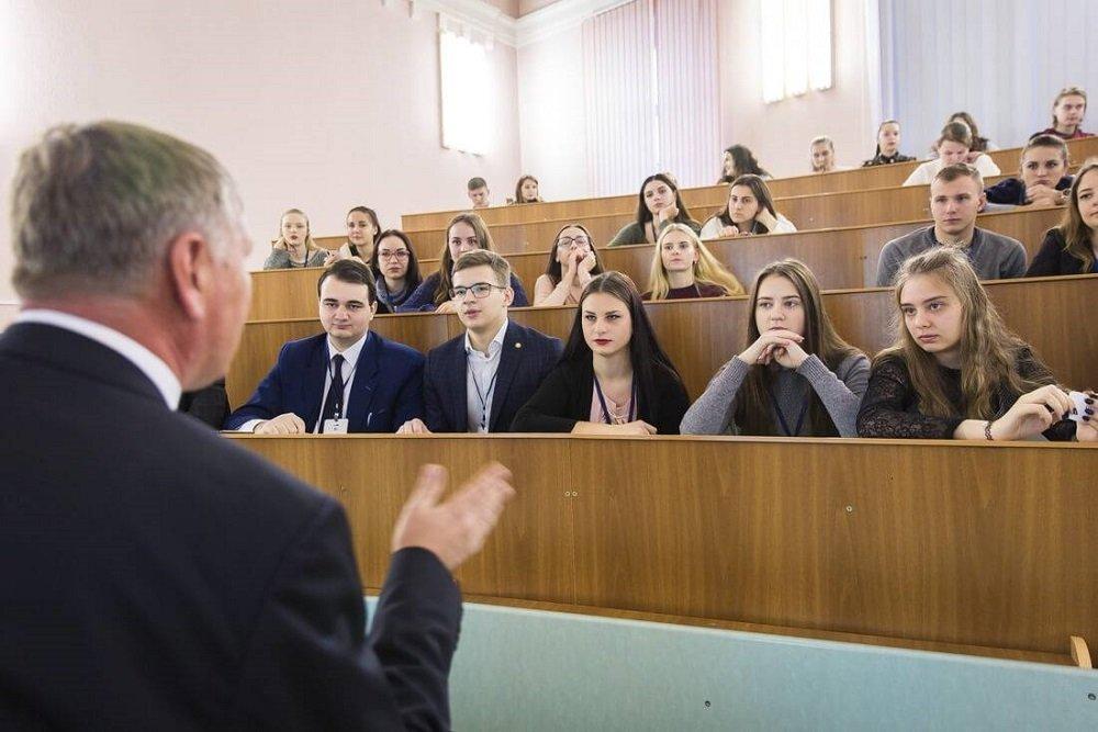 Фонд президента Белоруссии наградил лучших студентов и преподавателей страны