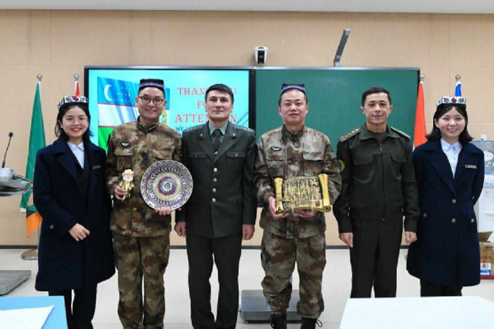 Военные медики Узбекистана повысят квалификацию в Китае