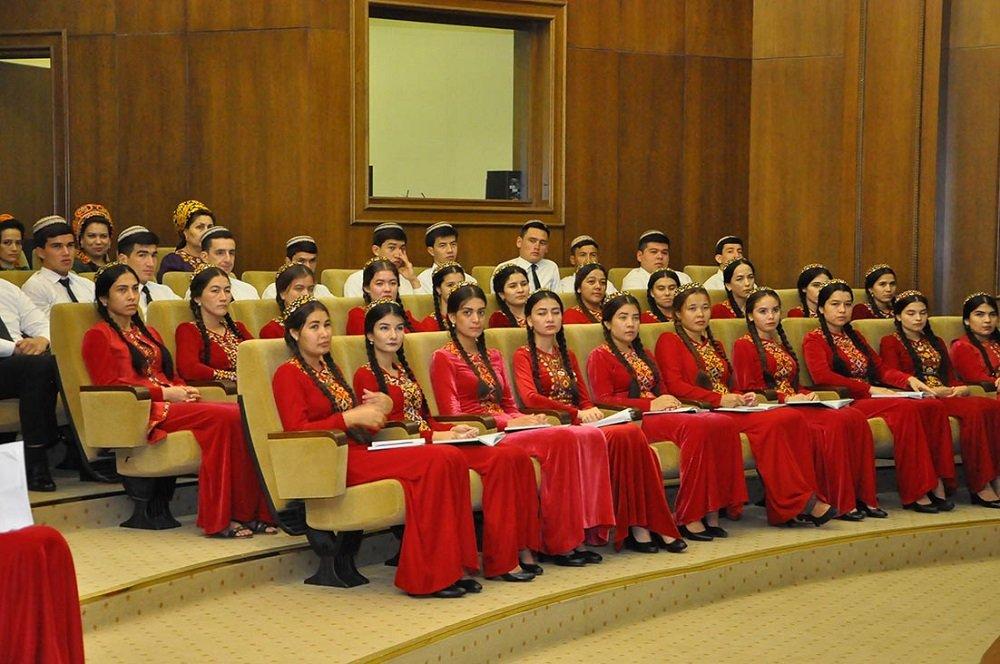 В Ашхабаде прошла медицинская конференция приуроченная году Нейтралитета