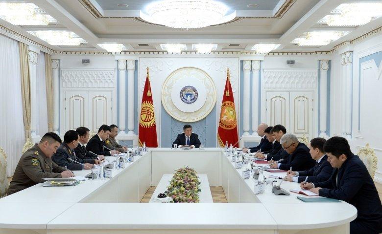 Президент Сооронбай Жээнбеков провел совещание по ситуации на границе с Таджикистаном