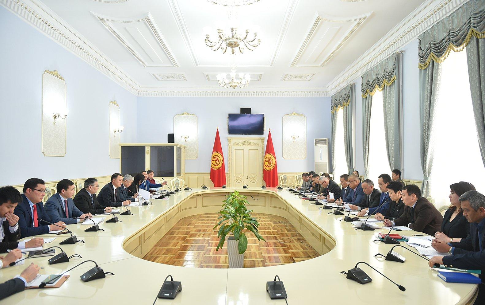 Правительство Киргизии будет пресекать попытки провоза контрабандных товаров в страну