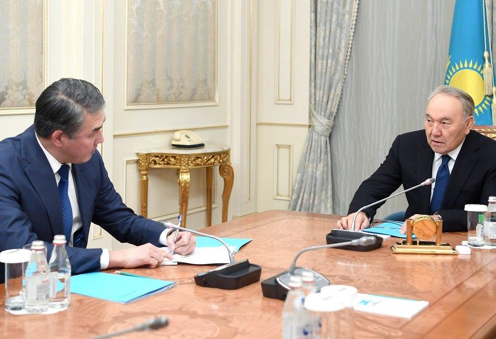 Нурсултан Назарбаев встретился с секретарём совета безопасности Казахстана