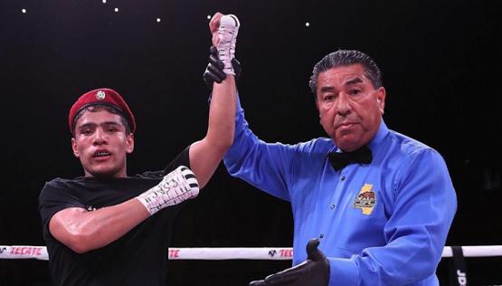 Узбекистанец Муроджон Ахмадалиев проведёт бой с американцем Дэниэлом Романом
