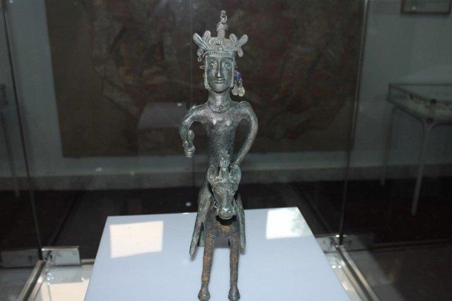 В Париже покажут артефакты из Таджикистана