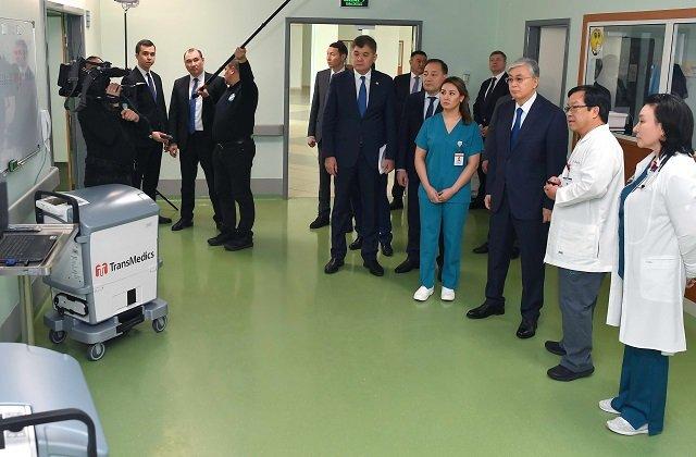 Кардиохирурги доложили президенту Казахстана об уровне научного развития