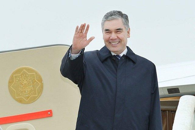 Глава Туркменистана поучаствовал в открытии новой мечети в Туркменабаде