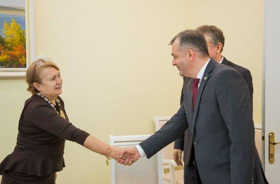 Глава правительства Молдовы встретился с группой румынских инвесторов