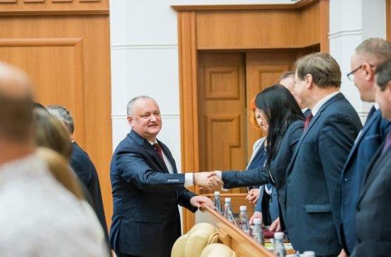 Президент Молдавии обсудил с руководителями районов создание индустриальных платформ