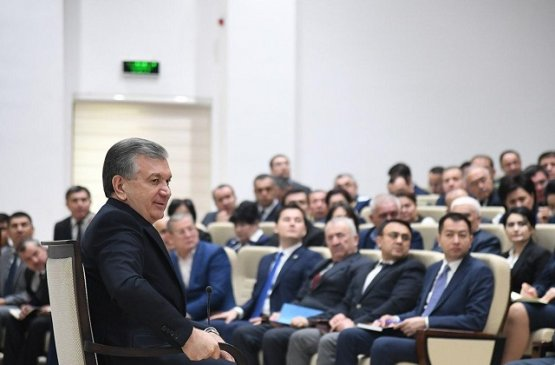 Президент Узбекистана посетил Яшнабадский район города Ташкента