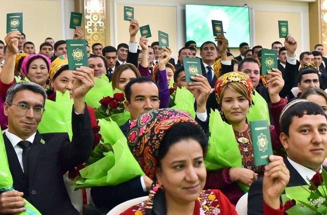 Туркменистан искоренит в стране безгражданство до 2024 года