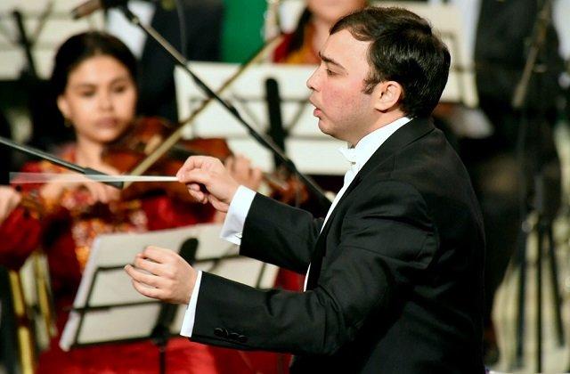 Дирижёр симфонического оркестра Туркменистана озвучил планы на весну 2020