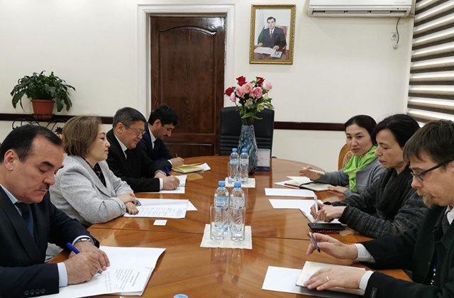 Минтруда Таджикистана расширит работу по защите прав мигрантов