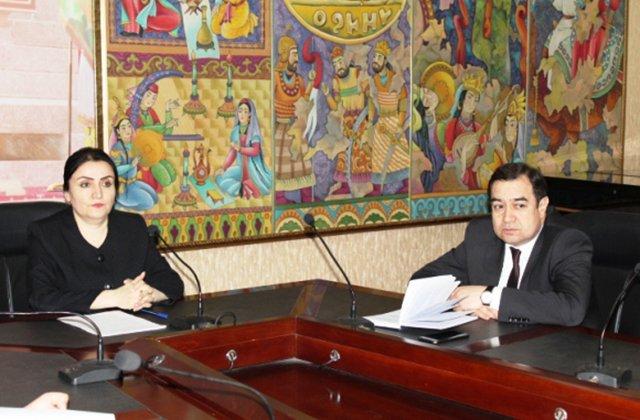 Кино и книги станут новым методом борьбы с коррупцией в Таджикистане