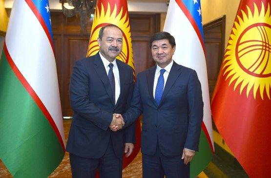 Главы правительств Киргизии и Узбекистана провели телефонный разговор