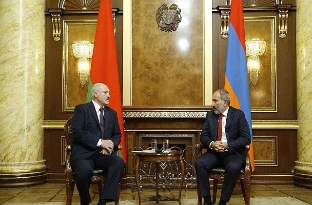 Никол Пашинян и Александр Лукашенко обсудили сложившеюся экономическую ситуацию