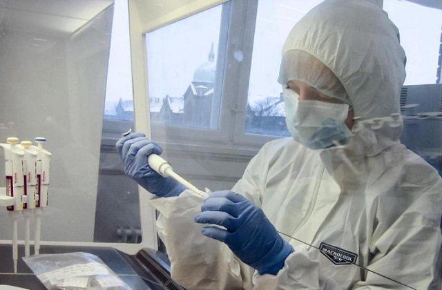 Казахстанский лидер поблагодарил учёных за героический труд