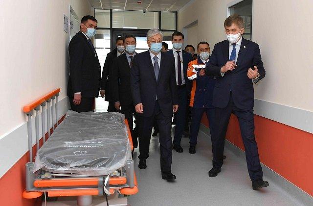 В Казахстане за рекордно короткие сроки построен модульный клинический центр