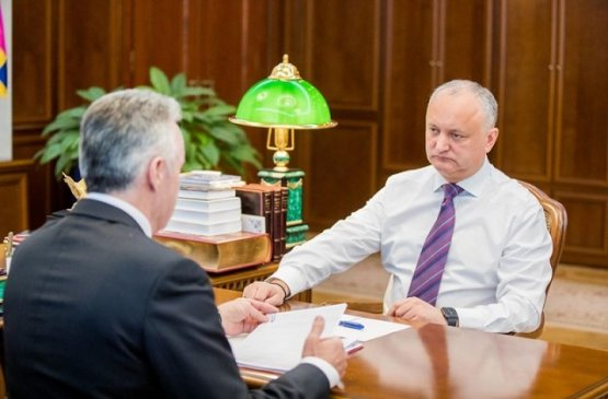 Президент Молдовы встретился с группой медиков с управленческим опытом