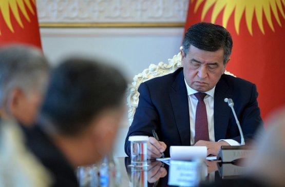 Президент Киргизии подписал указ о продлении ЧП в ряде городов