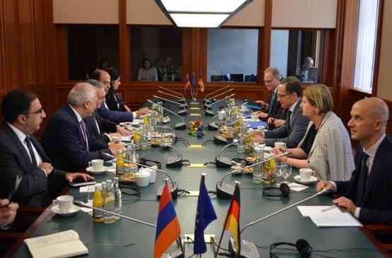 Зограб Мнацаканян и Хайко Маас обсудили приоритеты Восточного партнёрства и экономику