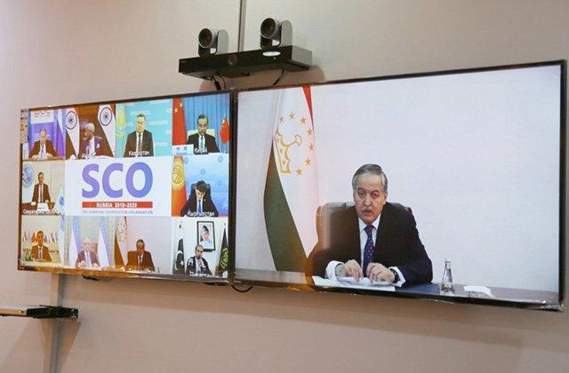 В МИД Таджикистана обсудили негативное влияние коронавируса на экономику