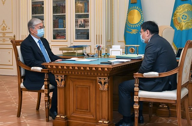Глава Казахстана поручил оперативно запустить социально-экономический мотор страны