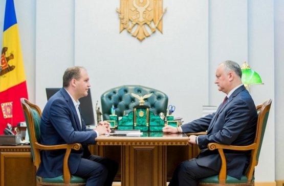 Президент Молдовы отметил необходимость обновления автобусов в столице