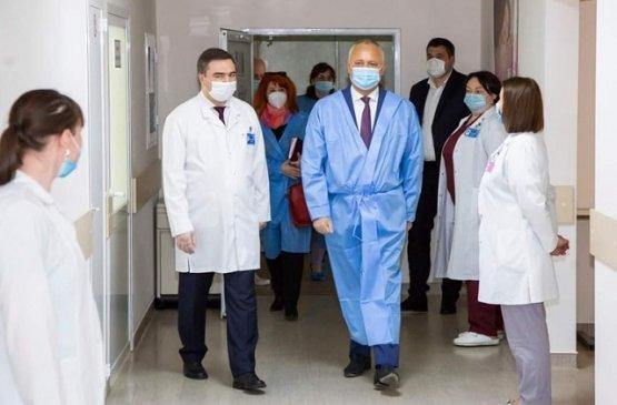 Президент Молдовы посетил медицинское учреждение «Институт матери и ребёнка»