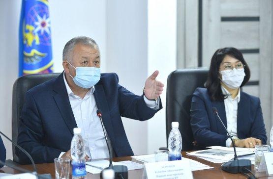 Первый вице-премьер Киргизии поручил усилить работу по контактным лицам заболевших граждан
