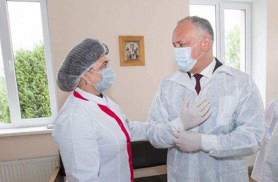 Президент Молдовы ознакомился с эпидемиологической ситуацией в Глодянах