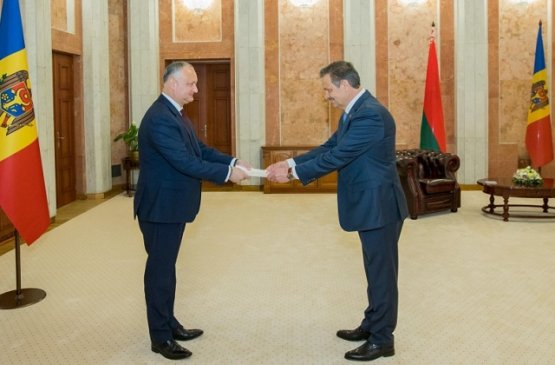 Президент Молдовы встретился с новым послом Беларуси