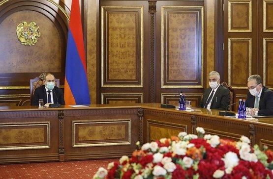Пашинян и Мнацаканян обсудили работу МИД Армении за 2019 год