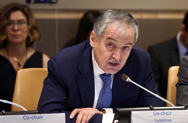 Министры иностранных дел Таджикистана и Канады обсудили борьбу с COVID-19