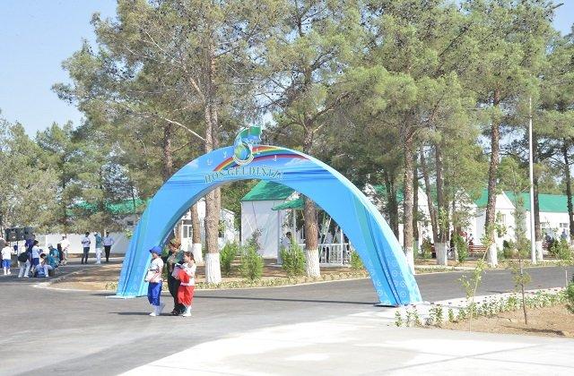 В Туркменистане открыли базу отдыха на озере Altyn köl