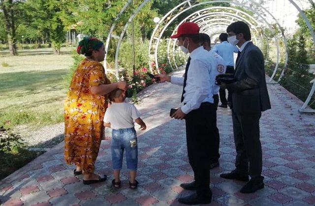 В Таджикистане сформировано 10 агитационных групп для борьбы с COVID-19