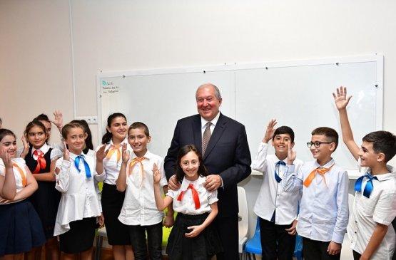 Армен Саркисян поздравил сограждан с Днём защиты детей