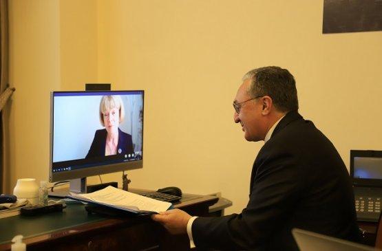 Мнацаканян обсудил с представителем МИД Великобритании совместную работу по борьбе с COVID-19