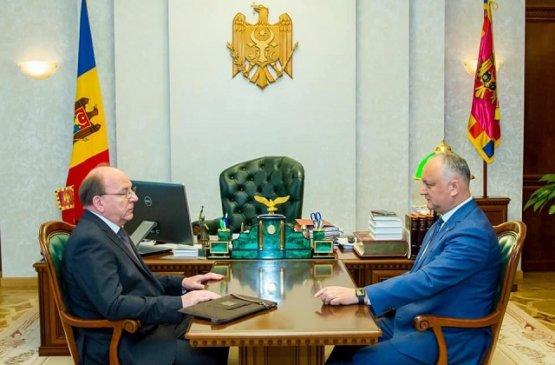 Президент Молдовы посетит парад Победы в России