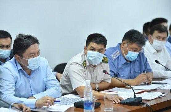 Правительство Киргизии решило закрывать точки общепита и такси за несоблюдение санитарных правил