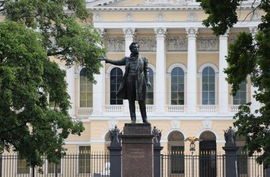 В Санкт-Петербурге с 15 июня смягчат ограничения по COVID-19
