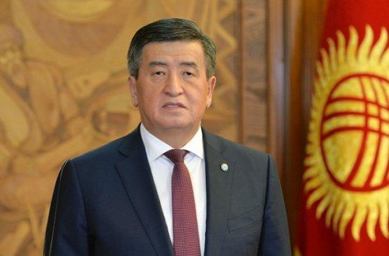 Президент Киргизии подписал закон об установлении компенсаций медицинским работникам