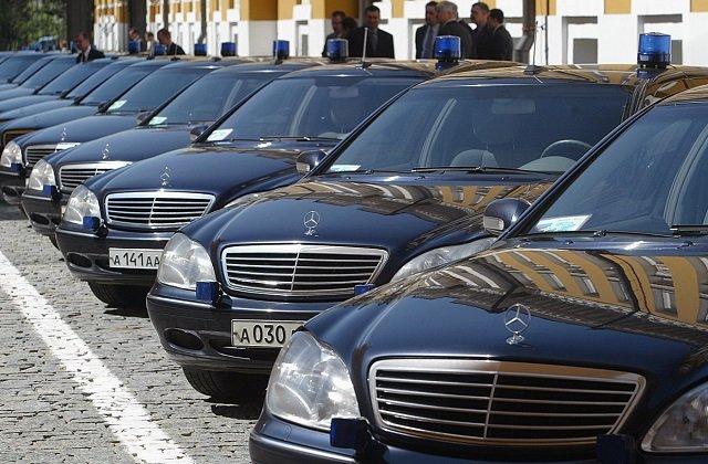 В Казахстане задействован мораторий на закупку автомобилей и мебели для чиновников